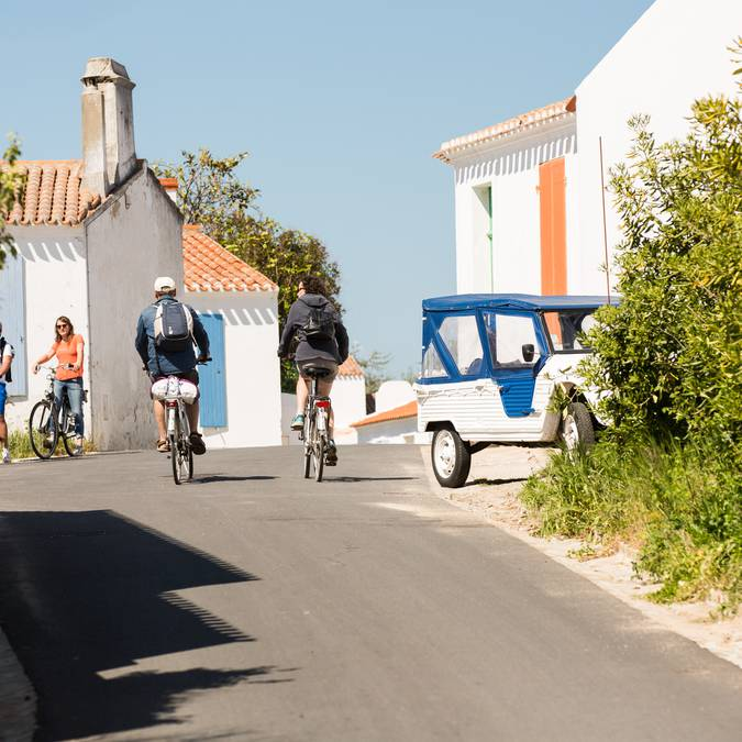 Ballade à vélo dans les rues de la Meule, Ile d'Yeu